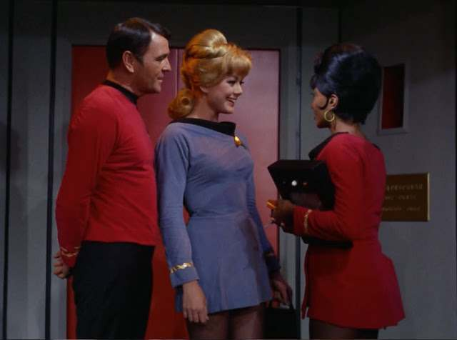 beam me up totty  the babes of star trek