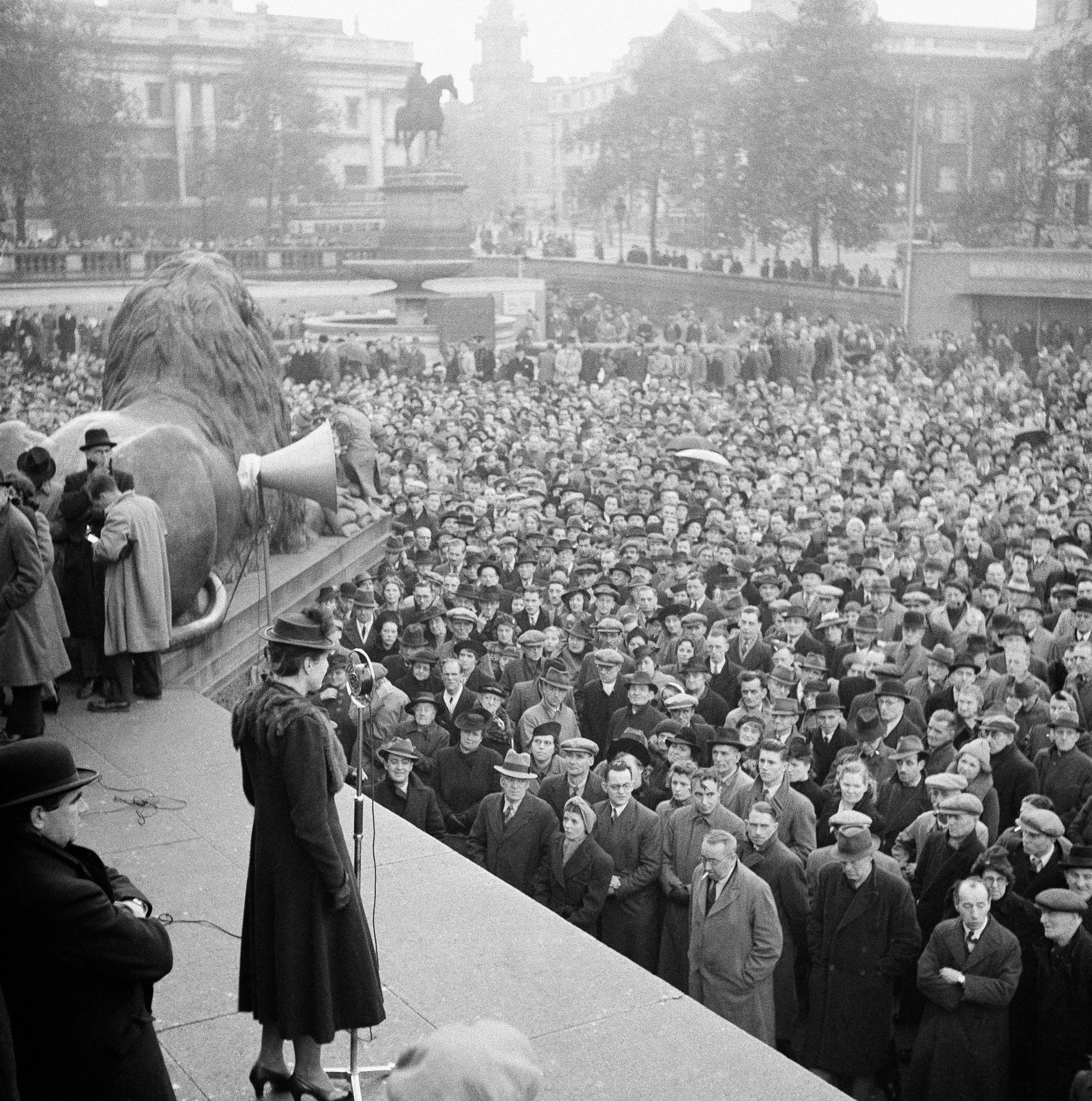 A mass meeting for 'Aid to Russia' demonstrations. There were two speakers at one time. Each speaking from a different side of the famous Nelson monument in Hyde Park, London, Dec. 19, 1941.
