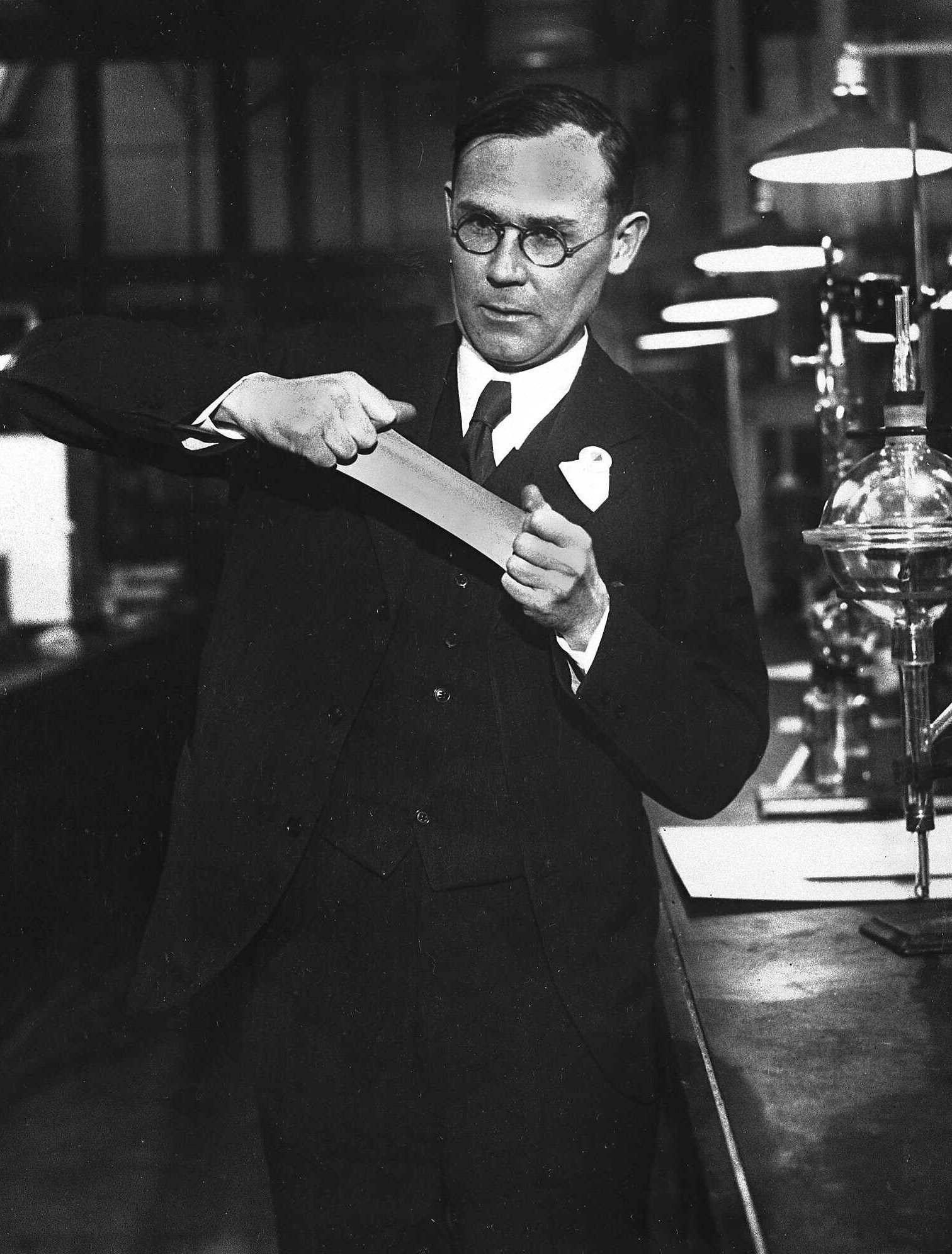 Wallace Carothers Nylon Dupont By 77