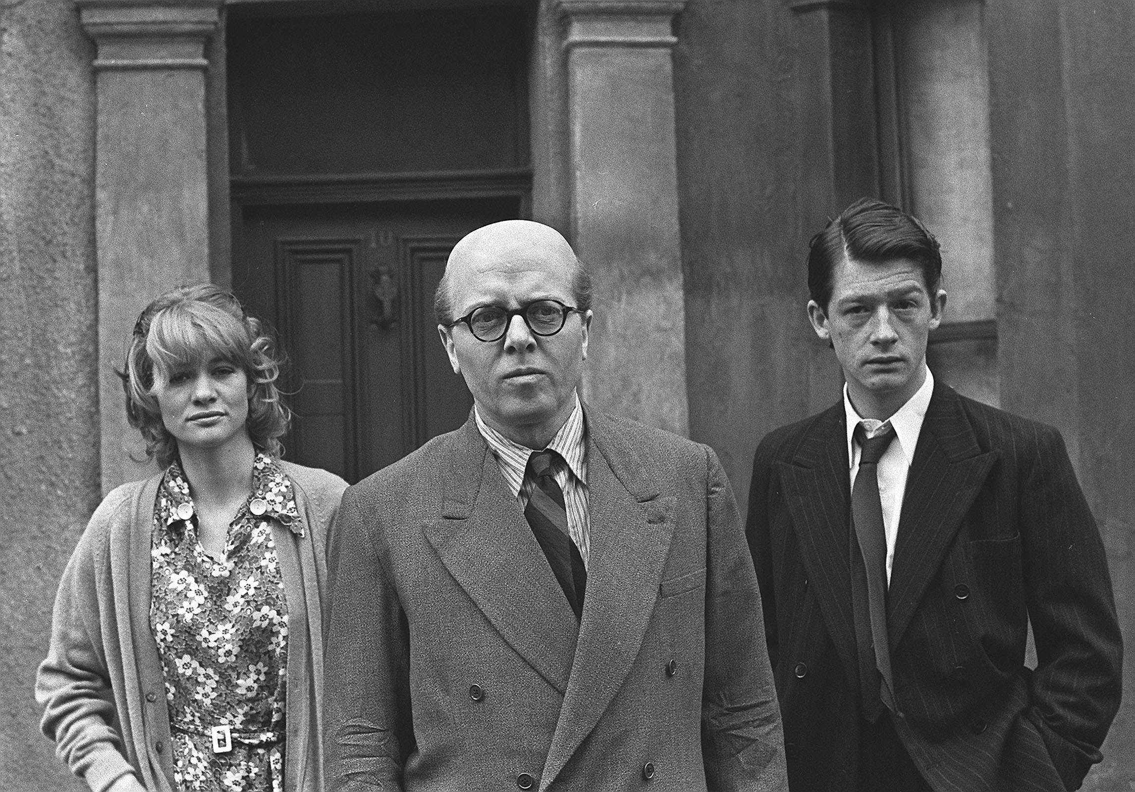 "Richard Attenborough, centre, in the chief role of mass-murderer John Reginald Christie, in the film ""10 Rillington Place"", in London, England, May 17, 1970. British actor John Hurt, right, plays Timothy John Evans and British actress Judy Geeson plays Mrs. Evans. (AP Photo/Staff/Dear)."
