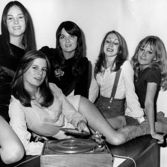 Dart Dollies In 1971: Dart Records Staff Are On The Job