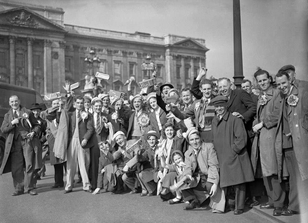 Blackpool supporters outside Buckingham Palace before the FA Cup final against Manchester United.