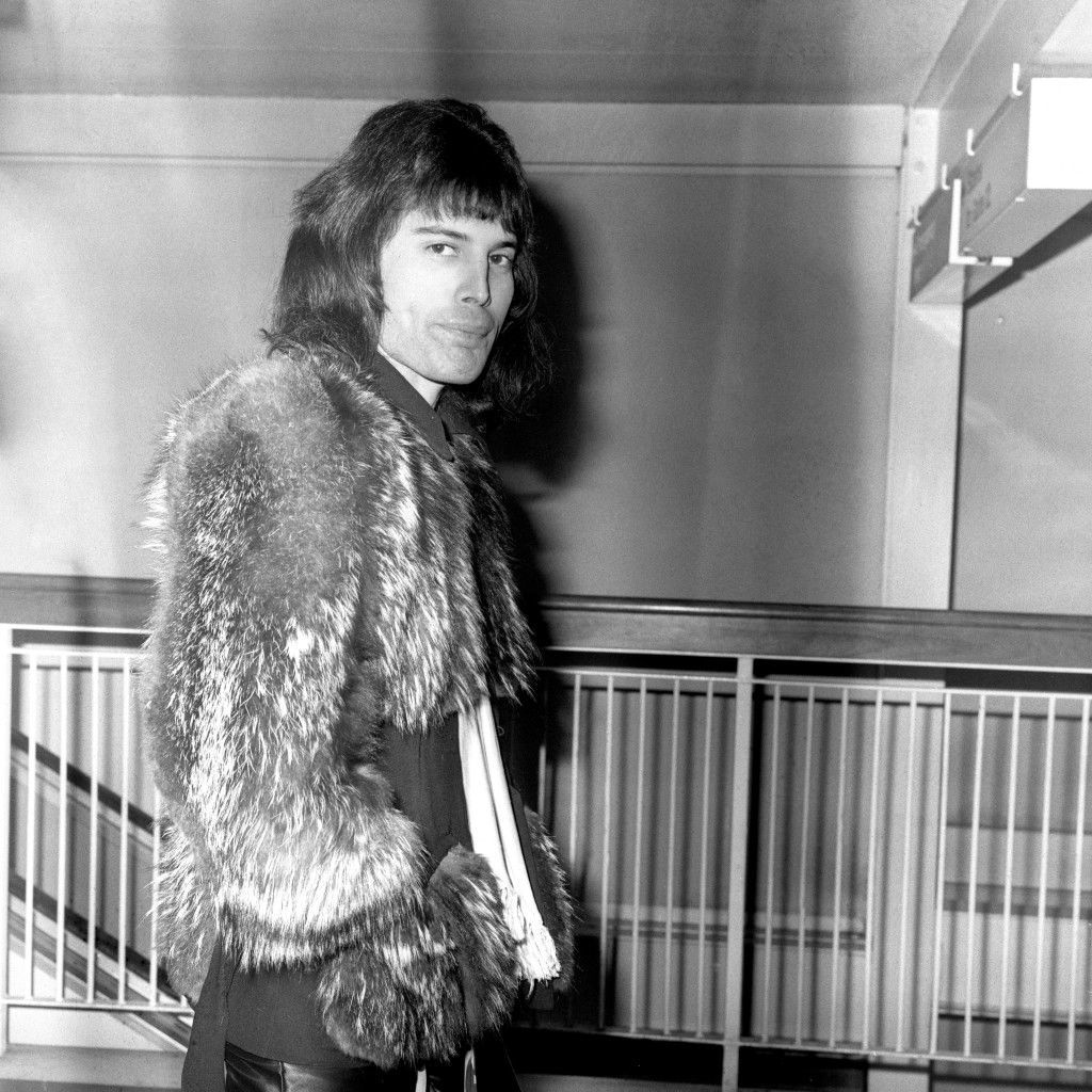 Queen frontman Freddie Mercury at Heathrow Airport, where the band were heading to the USA for the beginning of a world tour. archive-pa174273-4 Ref #: PA.16702388  Date: 20/01/1976