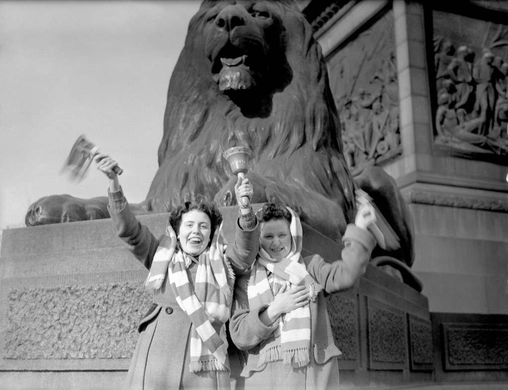 Manchester United fans in Trafalgar Square on the morning of the match. Ref #: PA.2813440 Date: 24/04/1948