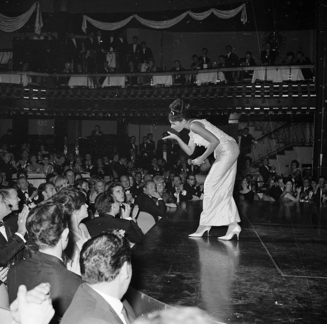 1st October 1962: Welsh singer Shirley Bassey performing in 'Talk of the Town'. (Photo by Terry Disney/Express/Getty Images)