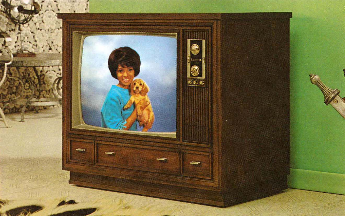 69_1971 Zenith Color TV-21