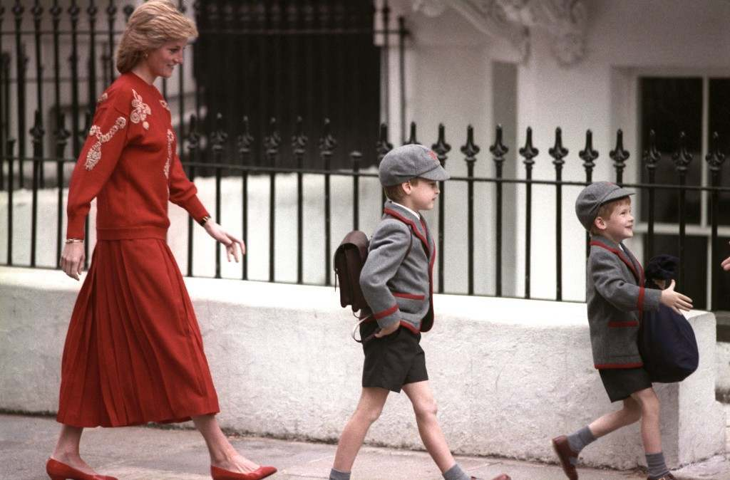 The Princess of wales follows her sons Prince Harry (right), five years old, and Prince William, seven, on Harry's first day at the Wetherby School in Notting Hill, West London. Ref #: PA.1137755  Date: 15/09/1989