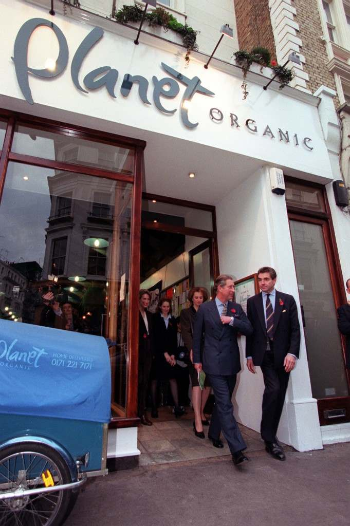 The Prince of Wales, after a shopping expedition to an organic supermarket, in central London, where he chose a brand of organic olives, surprising staff and customers with an unannounced visit. * Prince Charles, a longtime proponent of natural foods, spent almost an hour walking around Britain's biggest organic food shop, Planet Organic, in Notting Hill. Ref #: PA.1243683 Date: 11/11/1999
