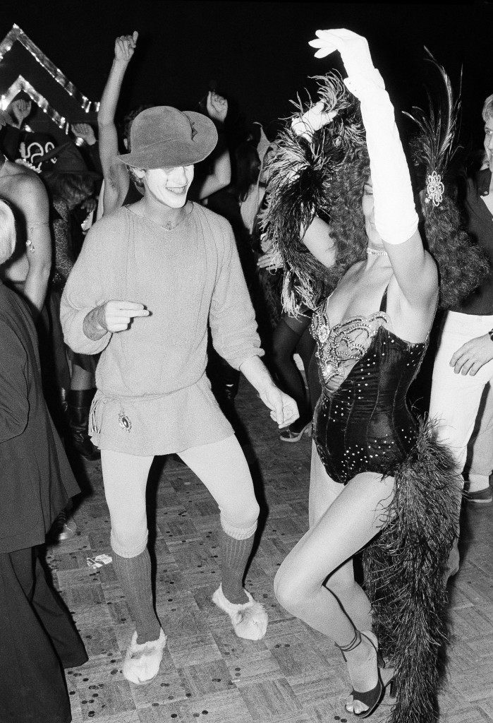 Halloween revelers at New York's Studio 54 dance the night away in costumes ranging from burlesque to stellar. The party was held at the New York Discoteque Oct. 31, 1977. (AP Photo/Richard Drew) Ref #: PA.14913478 Date: 31/10/1977