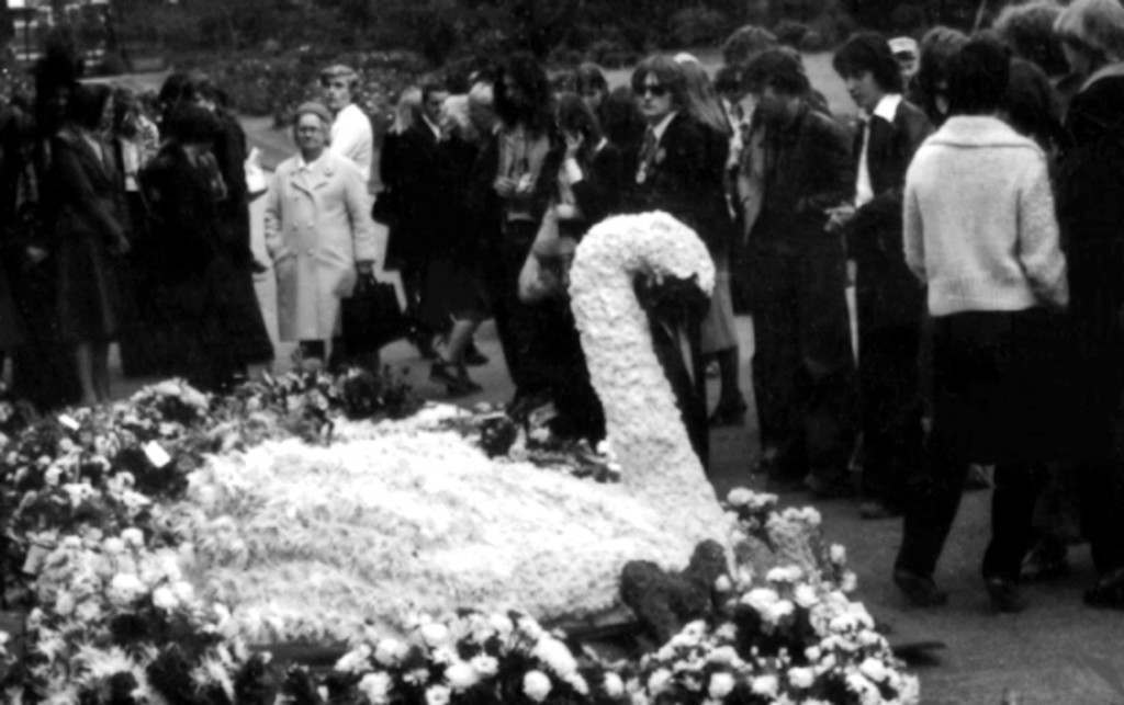 A white swan at hte funeral of Marc Bolan