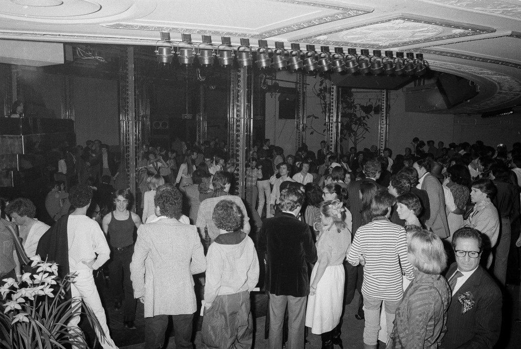 This is a general view of the scene on the dance floor at New York's Studio 54 disco, Jan. 17, 1978. (AP Photo) Ref #: PA.17645266 Date: 17/01/1978