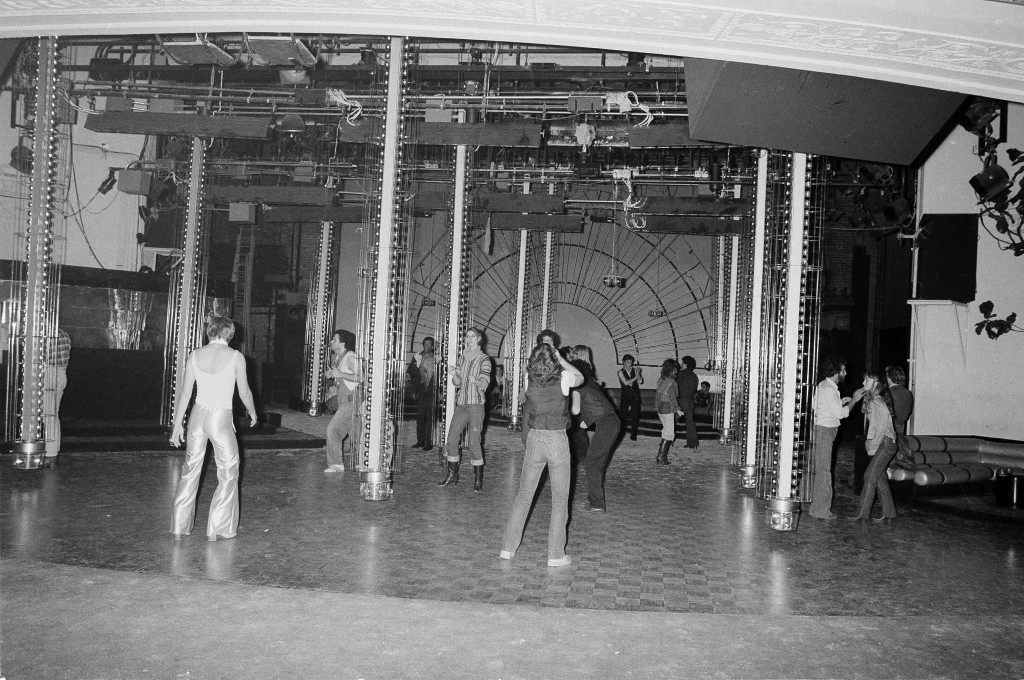This is a general view of the scene on the dance floor at New York's Studio 54 disco with just a few dancers on the floor, Jan. 17, 1978. (AP Photo) Ref #: PA.17645274 Date: 17/01/1978