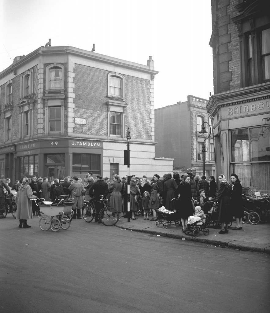 """A crowd gathers at the entrance to 10 Rillington Place in Notting Hill, London, where a fourth body has been discovered today. Three other bodies were yesterday found in a niche, which had been concealed by wallpaper. 17/11/2004 Timothy Evans, who was wrongly hanged for one of the notorious Rillington Place murders, can at last """"rest in peace"""" after two High Court judges on Wednesday November 17, 2004, made an unprecedented declaration of his innocence. In an extraordinary twist in one of the most infamous of all miscarriage of justice cases, his family lost their legal battle to get the case referred back to the Court of Appeal. In 1953 - three years after he was hanged - his downstairs neighbour John Christie, who had been a central prosecution witness at his trial, confessed to killing eight female victims at 10 Rillington Place, Notting Hill, west London. The victims included Beryl and her 14-month-old baby, whose bodies were found buried in a washroom. Christie, too, was hanged. Date: 25/03/1953 Ref #: PA.20995147"""