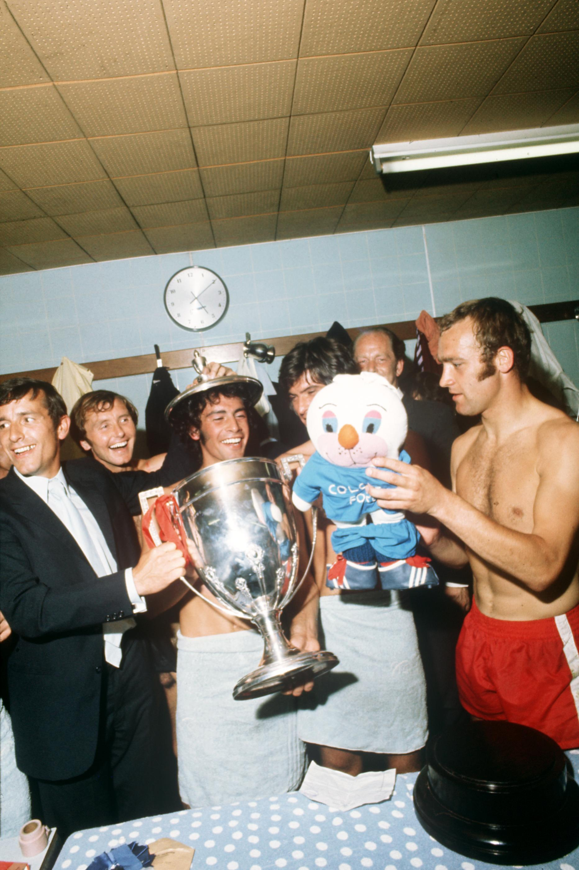Inside Soccer Changing Rooms The 1970s Bathtime With The Winners