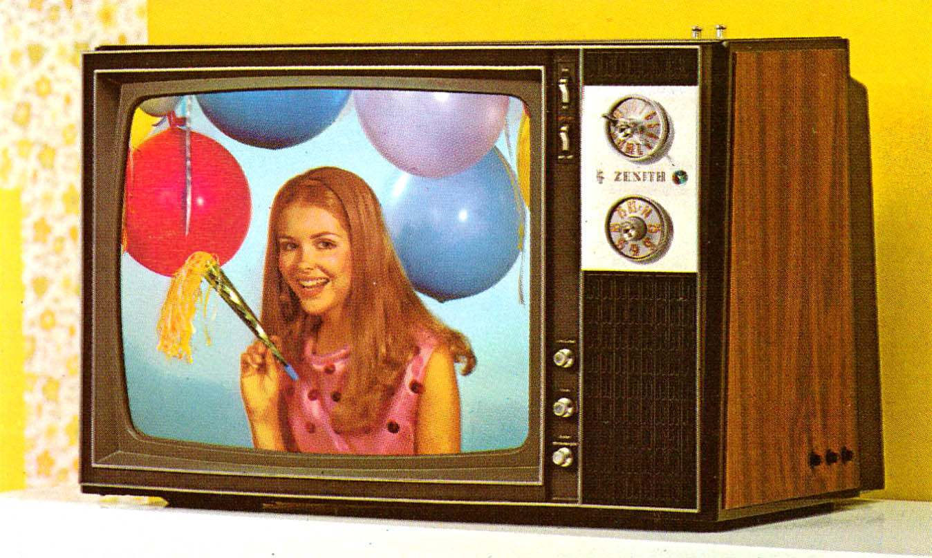 76_1971 Zenith Color TV-35