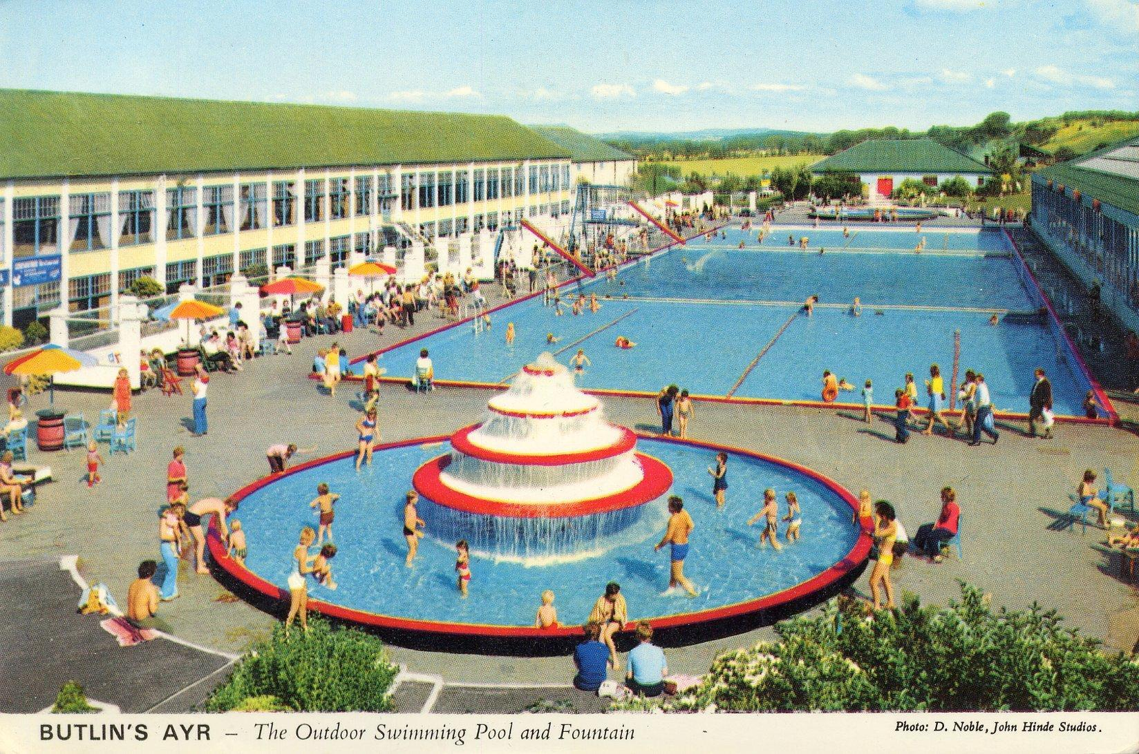Butlins Ayr - Outdoor Pool (Postcard - 1970s)