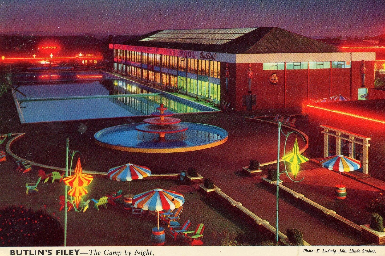 Butlins Filey - Night View of Pool (postcard, late 1960s)