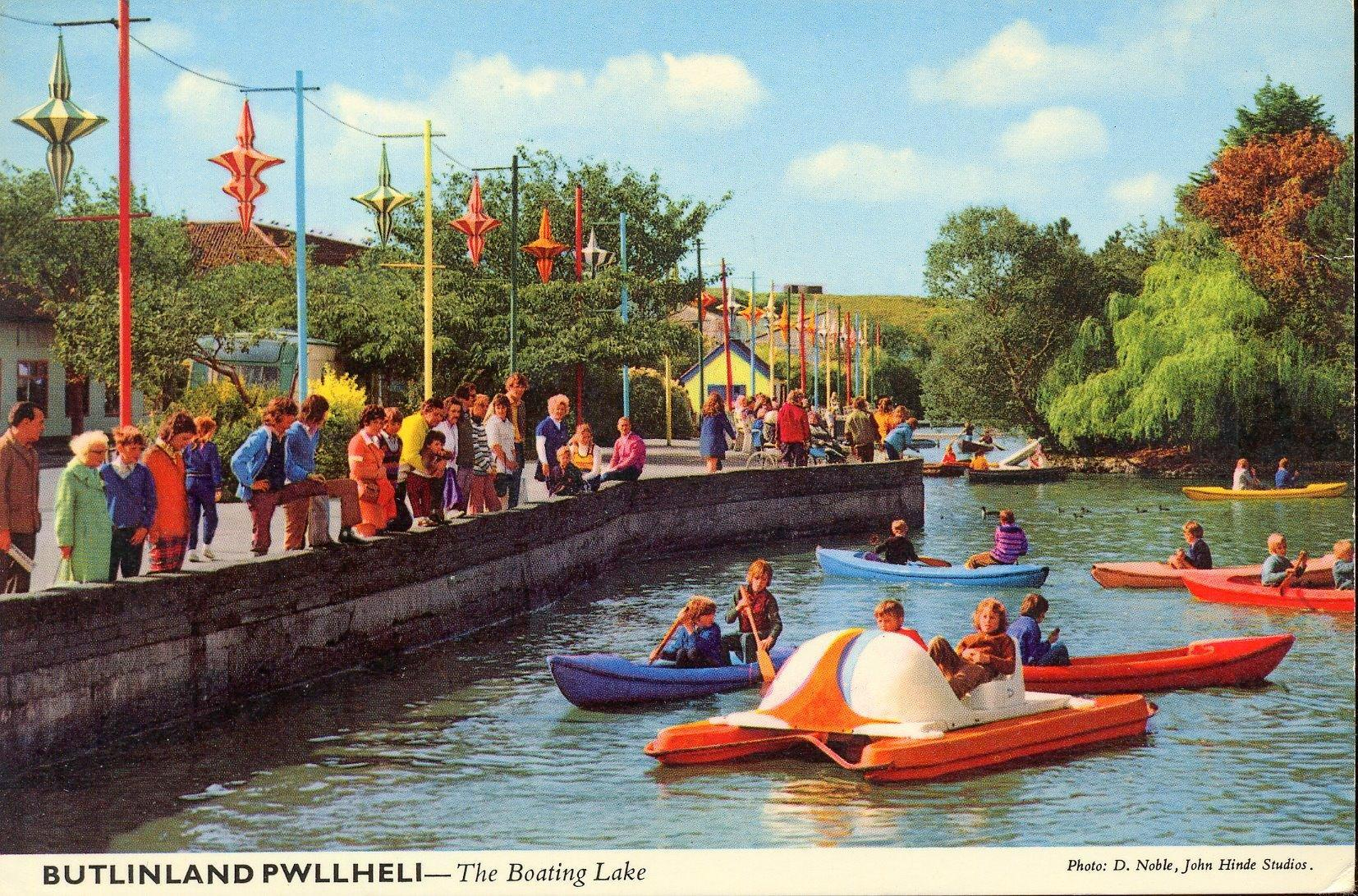 Butlins Pwllheli - Boating Lake (postcard, early 1970s)