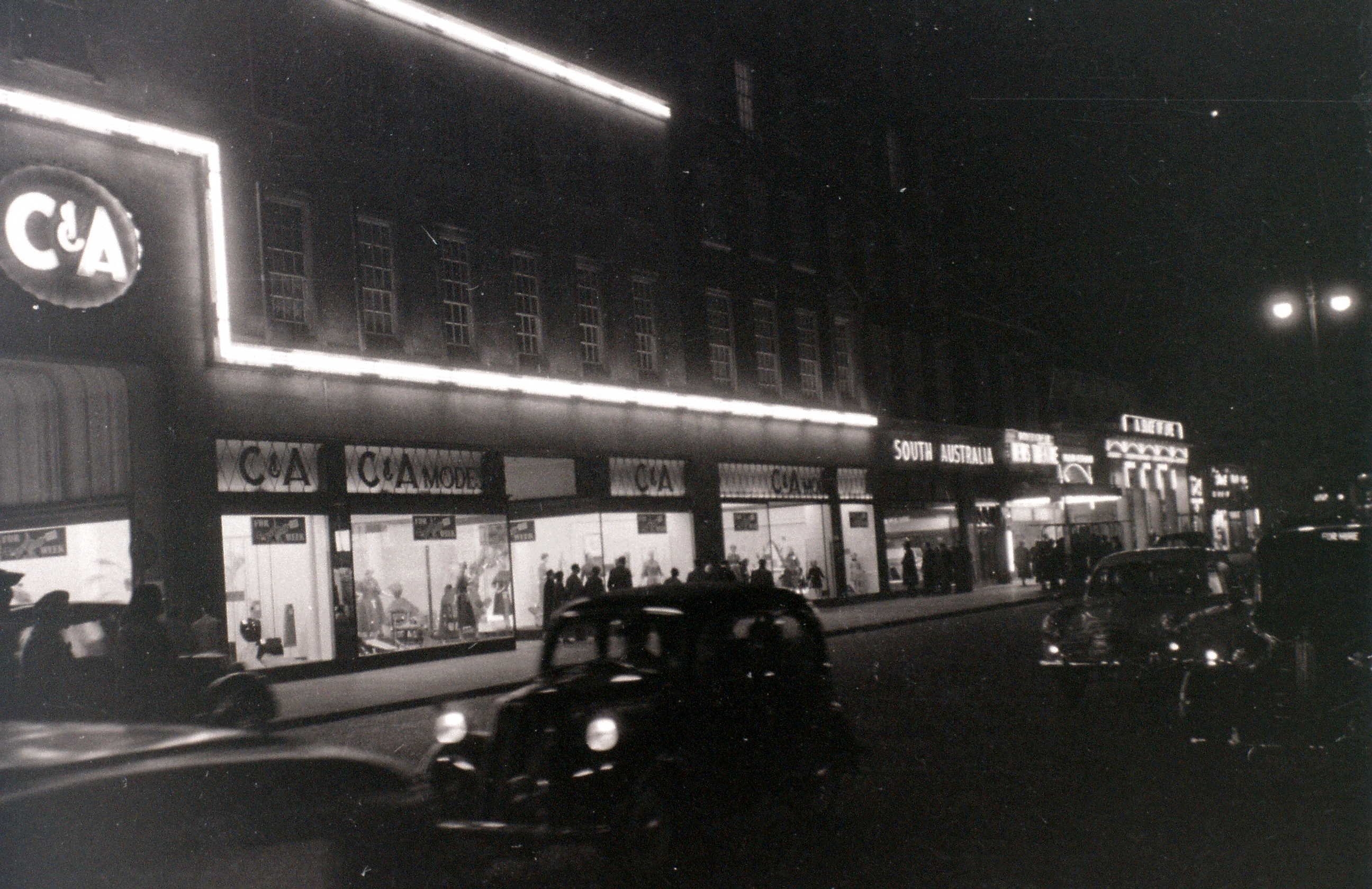 Oxford Street, 5 Nov 1955 now Primark S. Side nr Marble Arch