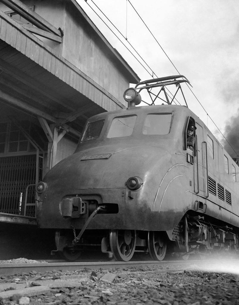 Close up of the express engine Tsubame in Tokyo station on April 19, 1950. (AP Photo/Charles Gorry) Ref #: PA.11655872