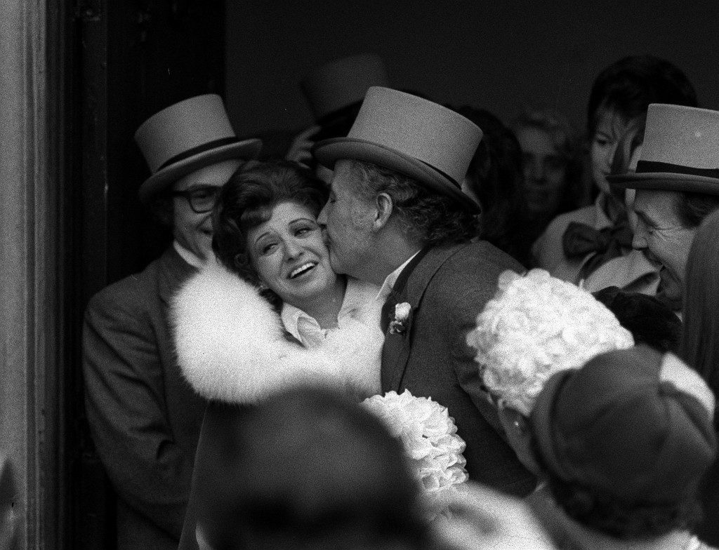 Pat Phoenix receives a kiss from her husband Alan Browning after their marriage at Etherow Brow Methodist Church in Broadbottom, Cheshire Ref #: PA.1316900  Date: 23/12/1972