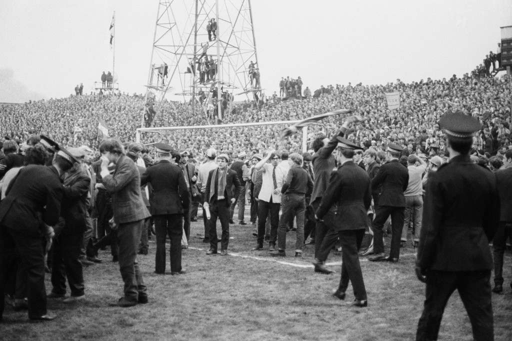 Soccer - Inter-Cities Fairs Cup - Semi-Final 2nd Leg - Newcastle United v Rangers - St James' Park Spectators invade the pitch at the Fairs Cup semi-final between Newcastle and Rangers. Ref #: PA.18756935  Date: 21/05/1969