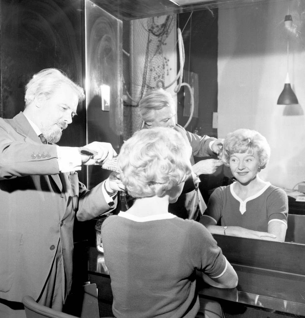 Actress Dora Bryan has her blonde hair lightened at the French of Mayfair salon, in preparation for her starring role in Gentlemen Prefer Blondes at the Princes Theatre. Ref #: PA.20479191  Date: 17/08/1962