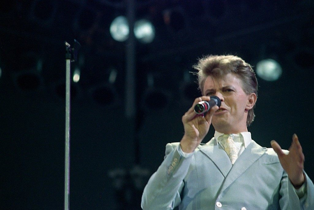 British singer David Bowie performs at Live Aid famine relief concert at Wembley Stadium.  PA-2491899