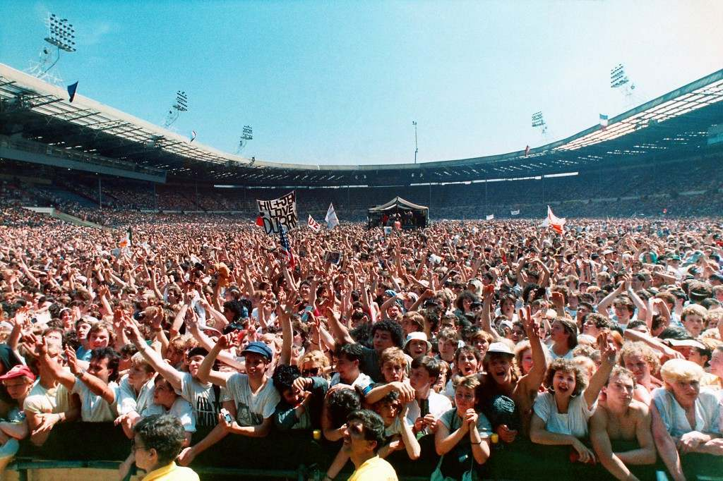 A huge crowd attends the Live Aid famine relief concert for Africa at Wembley Stadium. PA-2491908