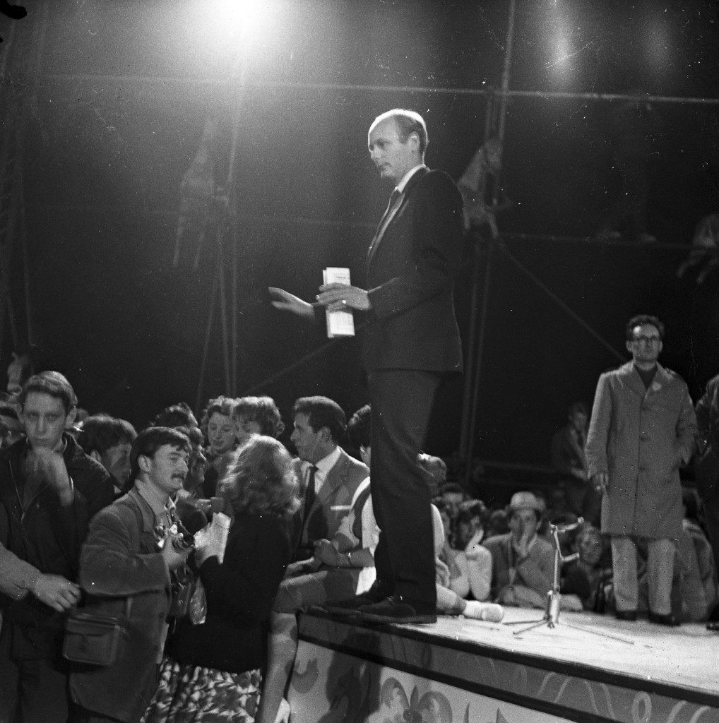 Lord Montagu calls for calm as hundreds of teenagers riot at a jazz festival held at Beaulieu Palace, Beaulieu, July 30, 1960. Broadcastin rigging was wrecked and an outbuilding was set on fire during the riots in which 39 people were injured. Ref #: PA.2528499  Date: 30/07/1960