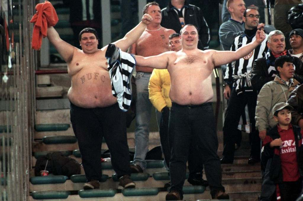 Soccer - UEFA Cup - Third Round First Leg - Roma v Newcastle United Newcastle fans bare all NULL Ref #: PA.337329  Date: 25/11/1999