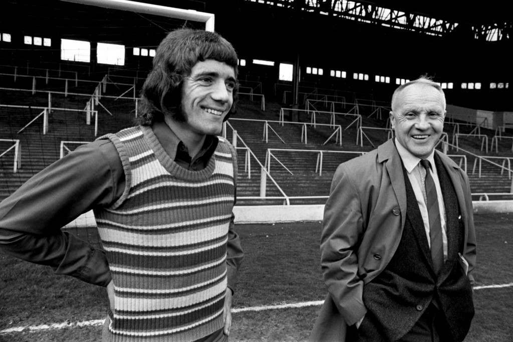 Liverpool manager, Bill Shankly (r) with new signing Kevin Keegan (l)  NULL Ref #: PA.392736  Date: 24/05/1971