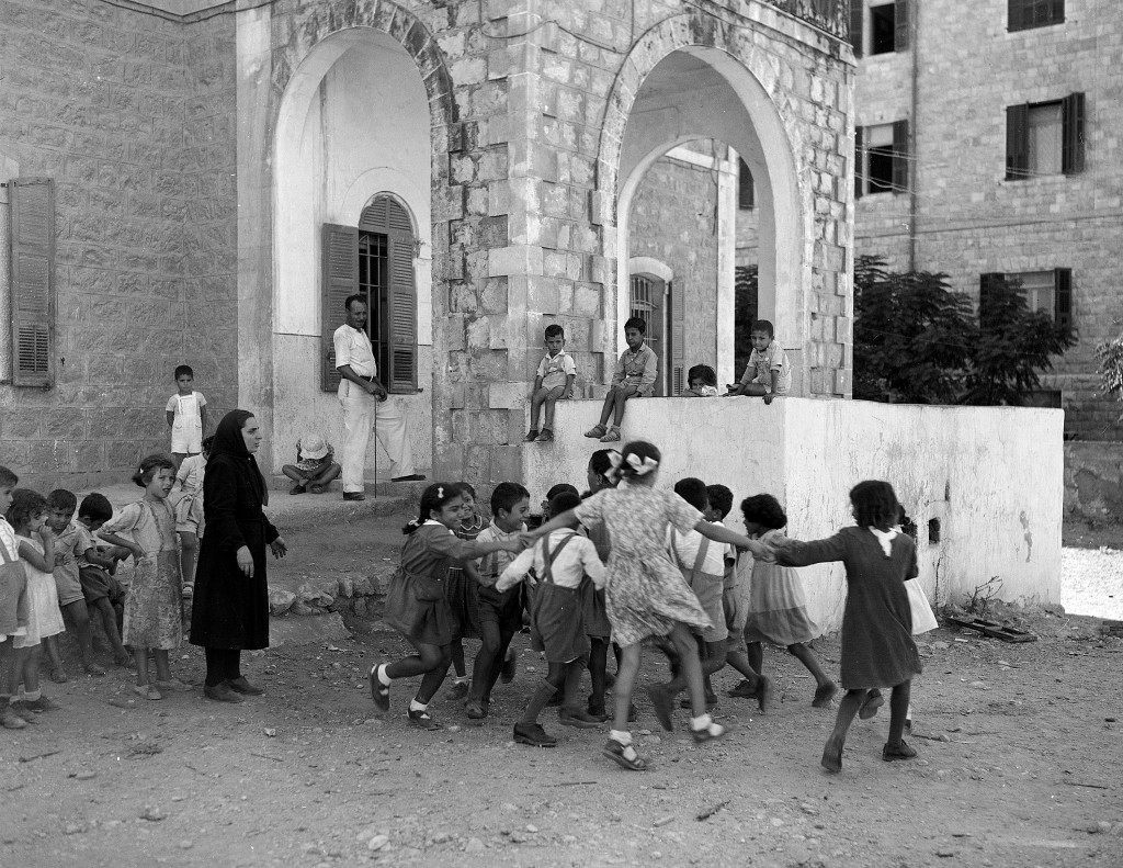 Arab fighters scan the hills of the Bab El Wad area on May 10, 1948. Arab and Jewish Forces clashed in a battle for control of the Tel Aviv-Jerusalem highway in Palestine. (AP Photo/JP) Ref #: PA.7436339 Date: 10/05/1948