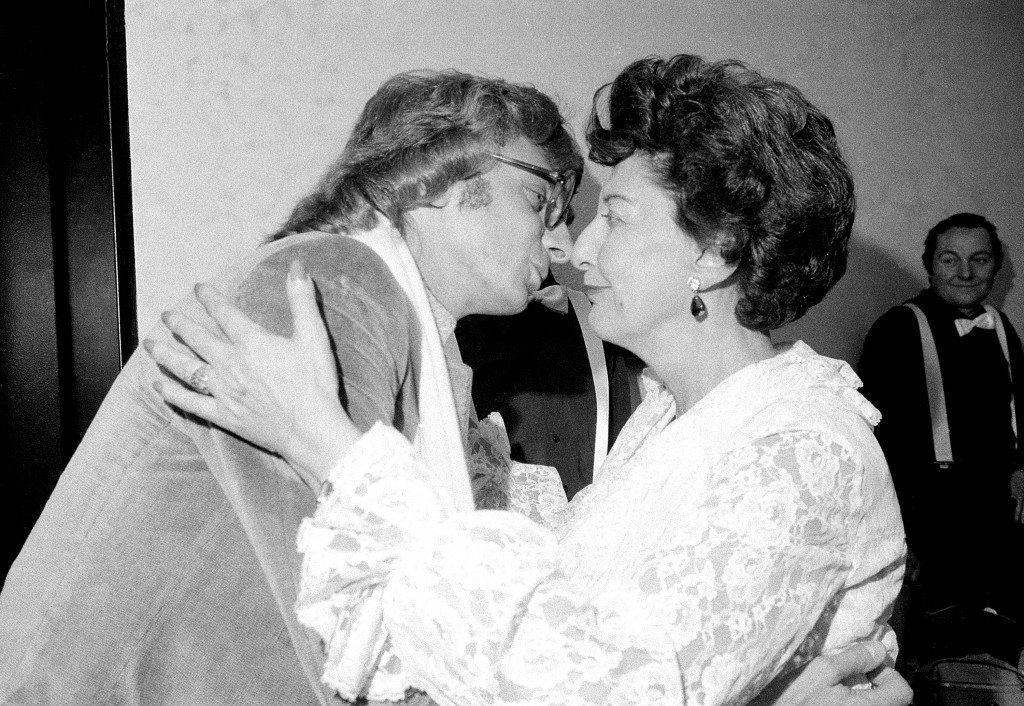 Barry Manilow, left, gives a congratulatory kiss to his mother, Edna, after she sang in a production of Ref #: PA.8648869  Date: 18/12/1978