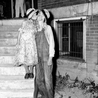 1937: Homer Peel, 34, Kisses His 12-Year-Old Bride Geneva On The Steps Of A Tennessee Courthouse
