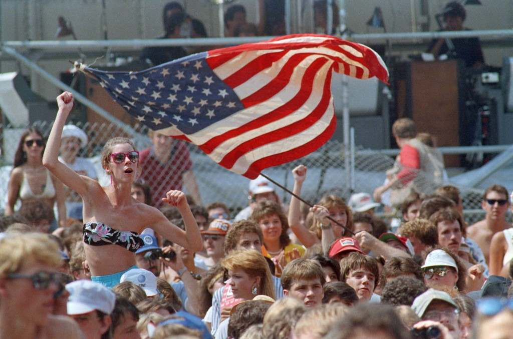 Crowd at Live Aid Music Concert at JFK Stadium in Philadelphia, Pennsylvania on July 13, 1985. (AP Photo/Amy Sancetta) PA-9829671