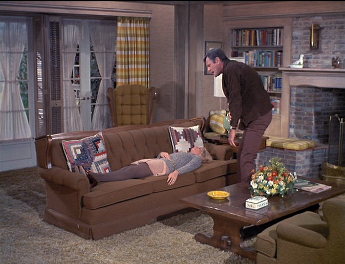 The top 15 tv sitcom homes of the 1950s 70s you d most for 70s living room furniture