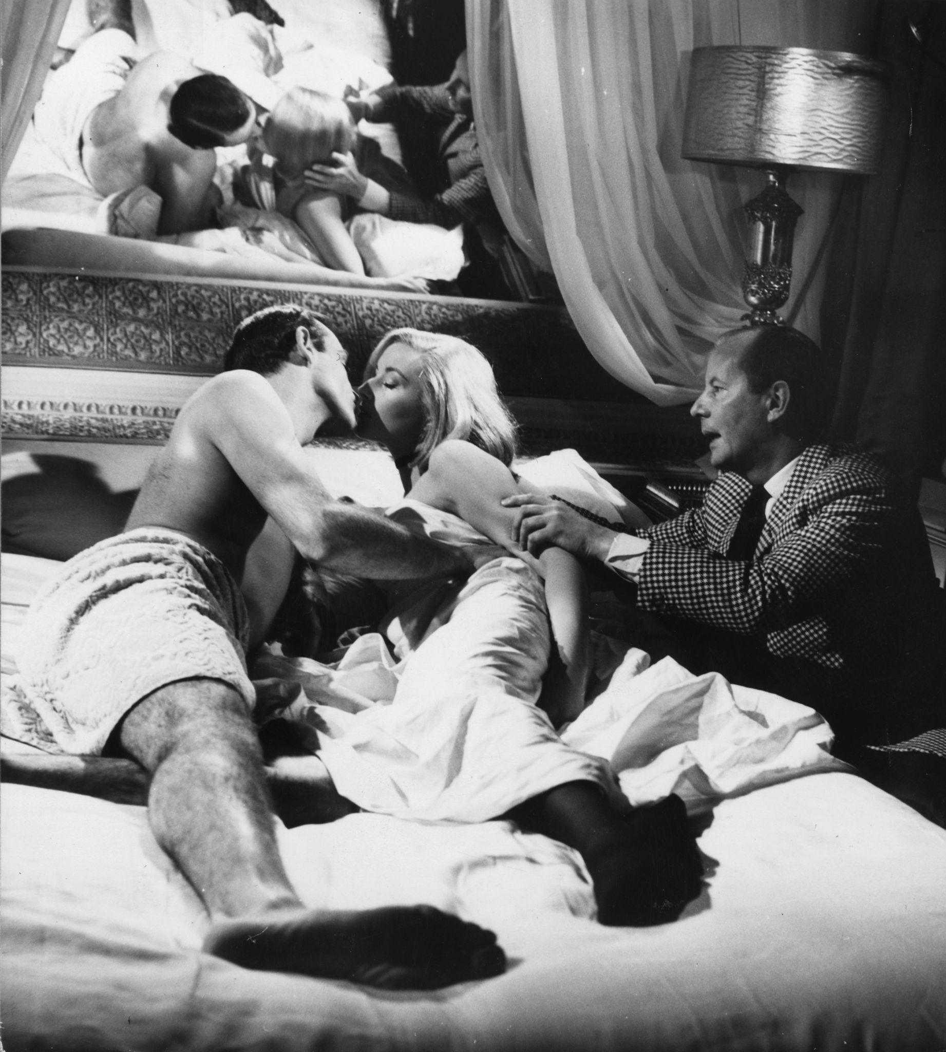 Terence Young directing Connery and Bianchi.