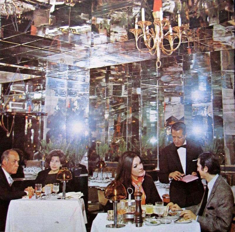 020_dining among mirrors