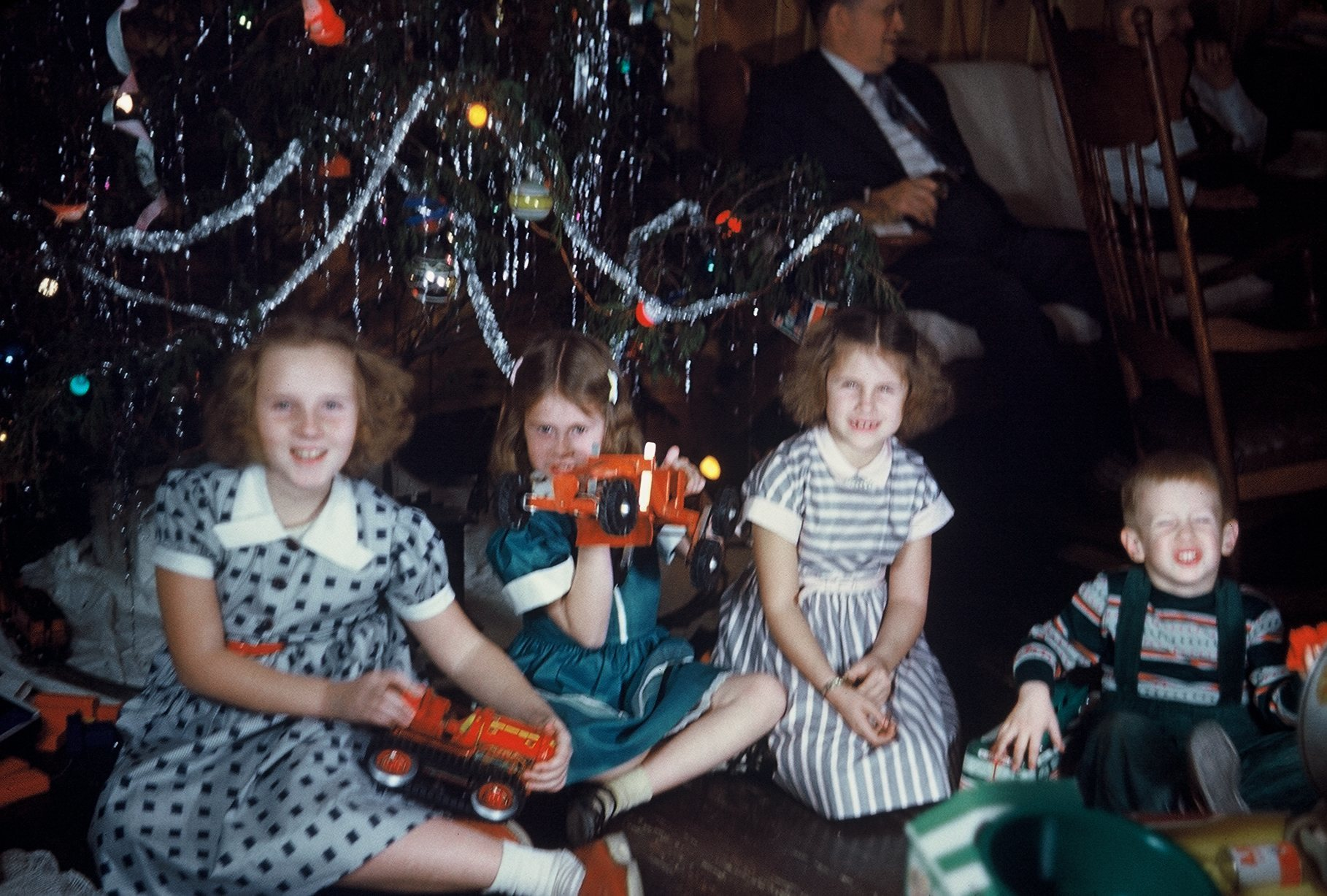 A Merry Mundane Christmas From The 1950s Flashbak