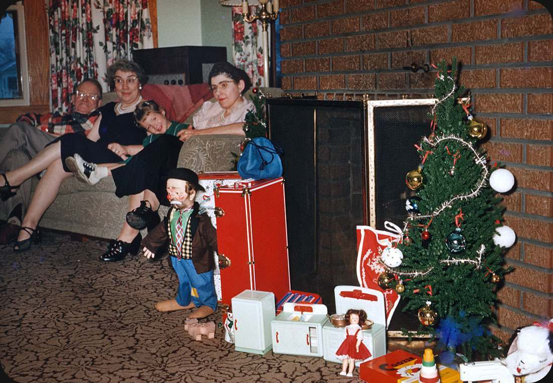 Christmas 1957 family on sofa