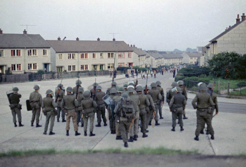 British troops confront young rioters on the Ballymurphy Estate in Belfast, Northern Ireland in 1970. (AP Photo/Peter Kemp) Ref #: PA.11444952