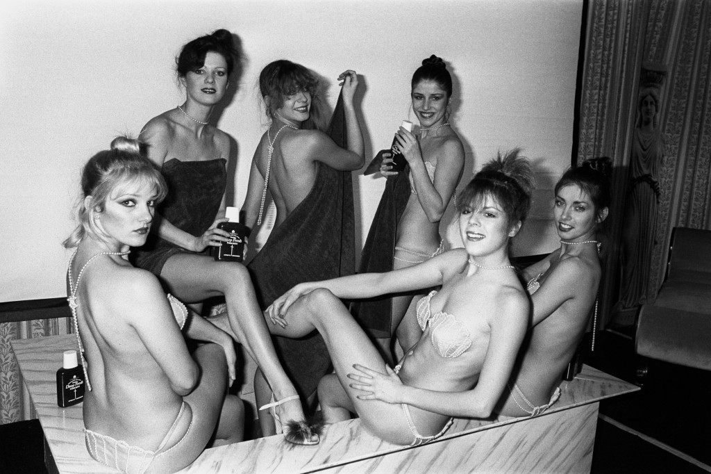 Britain's top dancing troupe Pan's People visiting a special display of bathing through the ages to promote the launch of a new bath additive - Dettol Deep Fresh, at the Portman Hotel, London. Left to right; Sarah Woollett, Abigail Higgins, Helen Joyce, Francesca Whitburn, Pauline Crawford and Patricia McSherry. Ref #: PA.11530599  Date: 31/01/1980