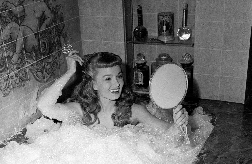Actress Ann Blyth takes a bubble bath in her role as a captive mermaid on the set of the comedy production Ref #: PA.8650651  Date: 17/04/1948