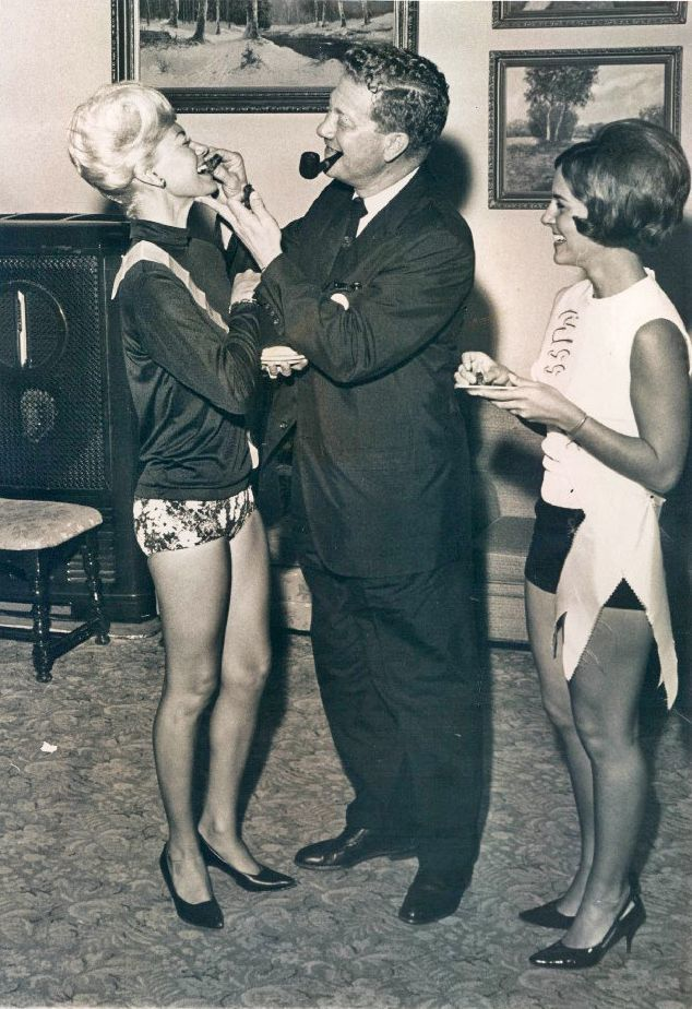 1966 Miss Fruitcake Jeri Reddish Queen Legs Mayor Herman Goldner