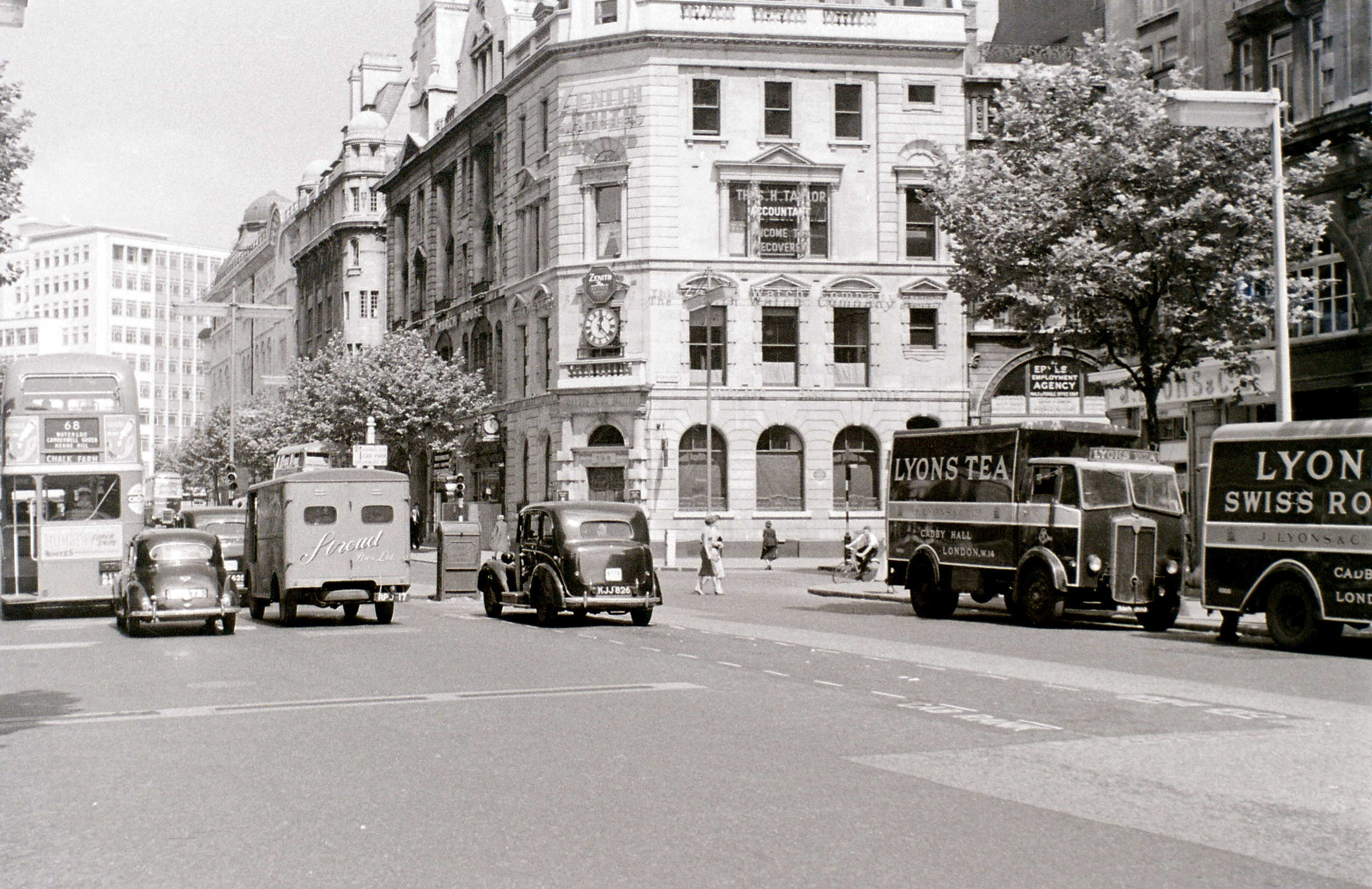 Kingsway cnr. High Holborn, London, 1 August 1955.