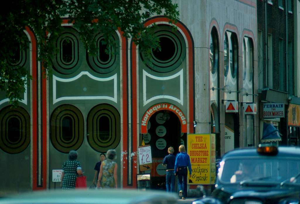 1976 London  Kings Road  Chelsea Drugstore