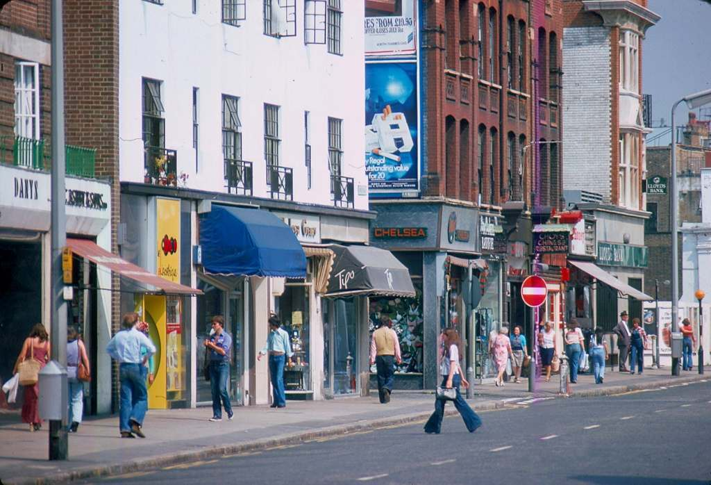 1976 - London - Kings Road Flares striding