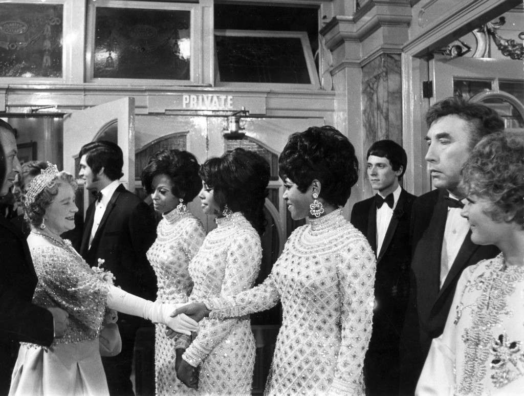 18th November 1968: Elizabeth, the Queen Mother (1900 - 2002) goes backstage to meet the Supremes, Engelbert Humperdinck, Frankie Howerd and Petula Clark after a Royal Variety Performance at the London Palladium. The show is in aid of the Variety Artistes' Benevolent Fund. (Photo by Douglas Miller/Keystone/Getty Images)