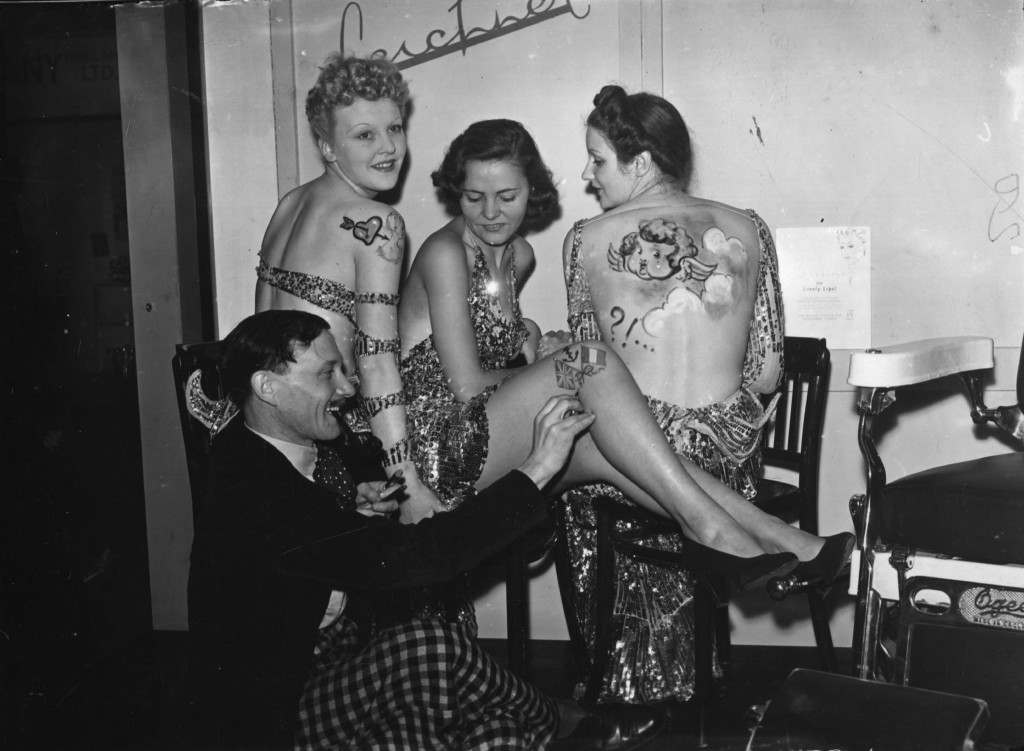 Wonderful Women With Wicked Tattoos 1900-2000 - Flashbak-2227
